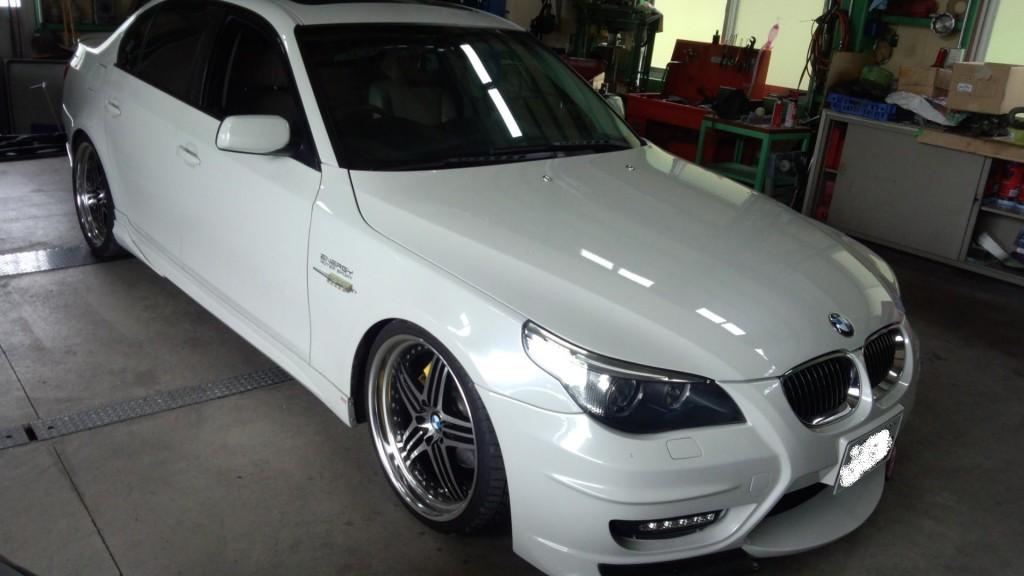 BMW E60 ナビブラックアウト CCCユニット交換       豊田市 BMW修理
