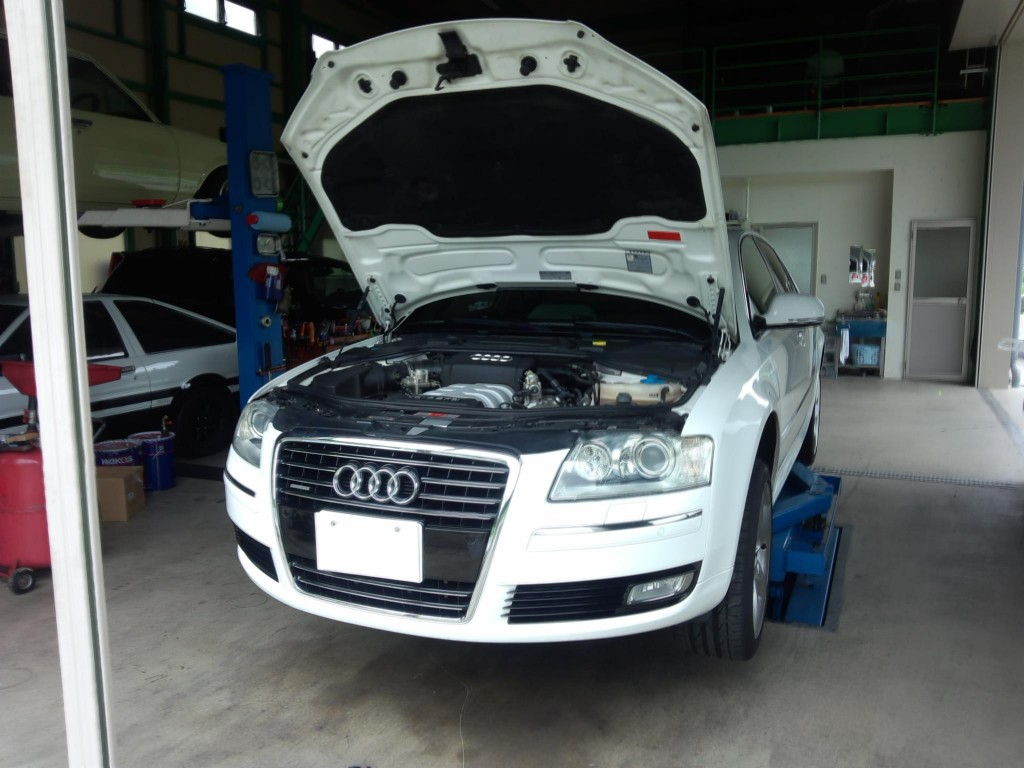 アウディA8 & BMW E87ブレーキメンテナンス などなど      アウディ修理 BMW修理