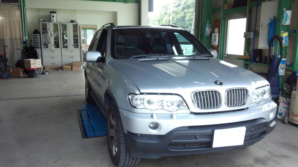BMW X5 エアサス修理&オイル漏れ修理        豊田市 BMW修理