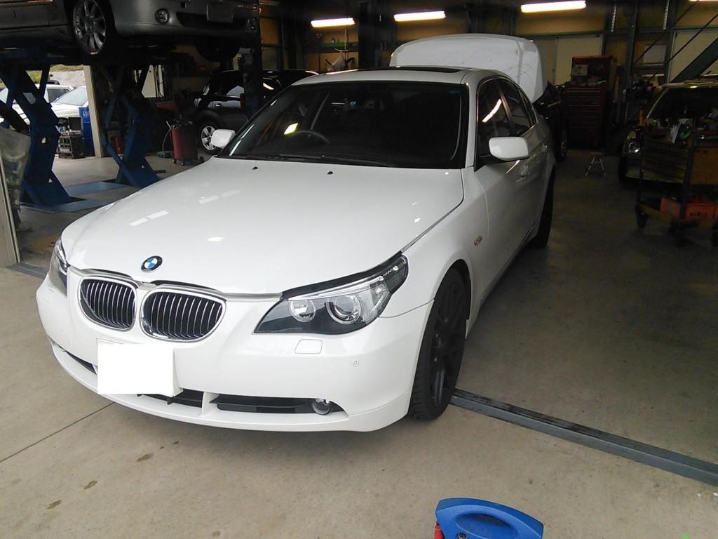 BMW E60  バッテリ交換 AUTELマキしシスにて交換入力  デントリペアなど