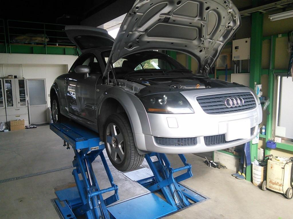 国産車 輸入車問わず車検 修理の入庫多数いただいてます          車検 修理 藤井自動車