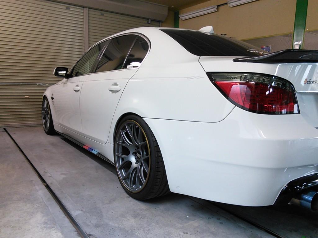 BMW  5シリーズ リアフェンダー改造 ツメ折  豊田市  板金塗装