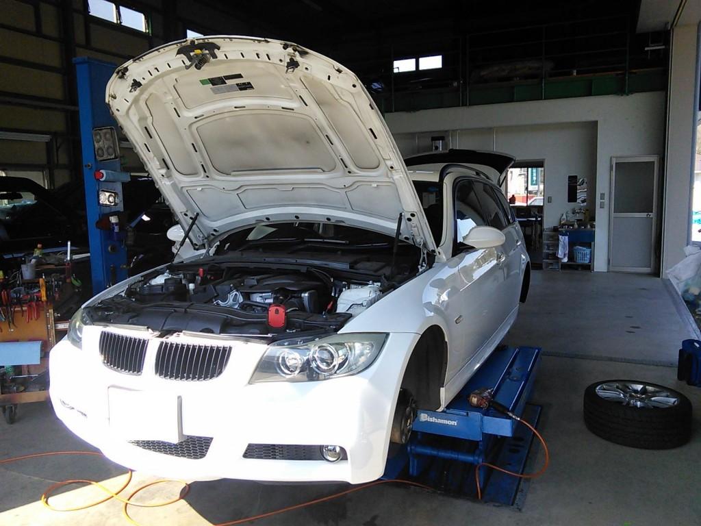 BMW E91 車検 エンジン異音 パワーウィンドゥ修理など 初期化はマキシスで