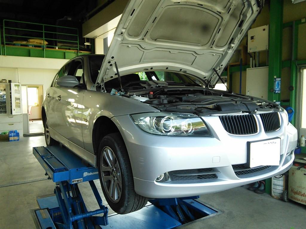 BMW E90 ブレーキメンテナンスで入庫            BMW修理 豊田市