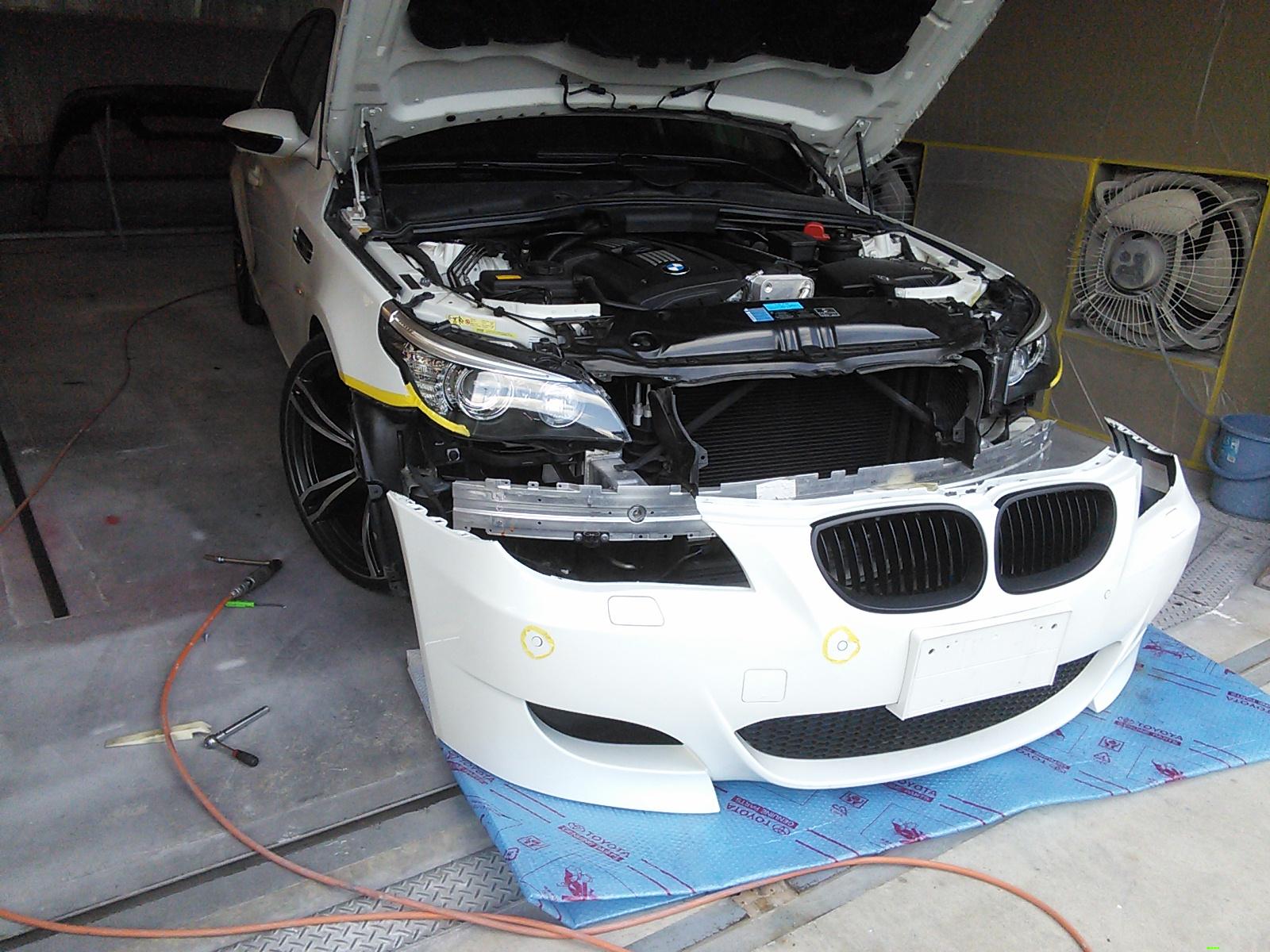 BMW E60 フロントバンパー ソナー 穴埋め  豊田市 板金塗装