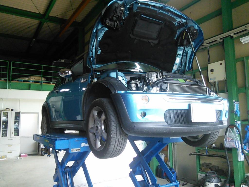 BMWミニ 車検 オイル漏れ修理             BMWミニ 車検