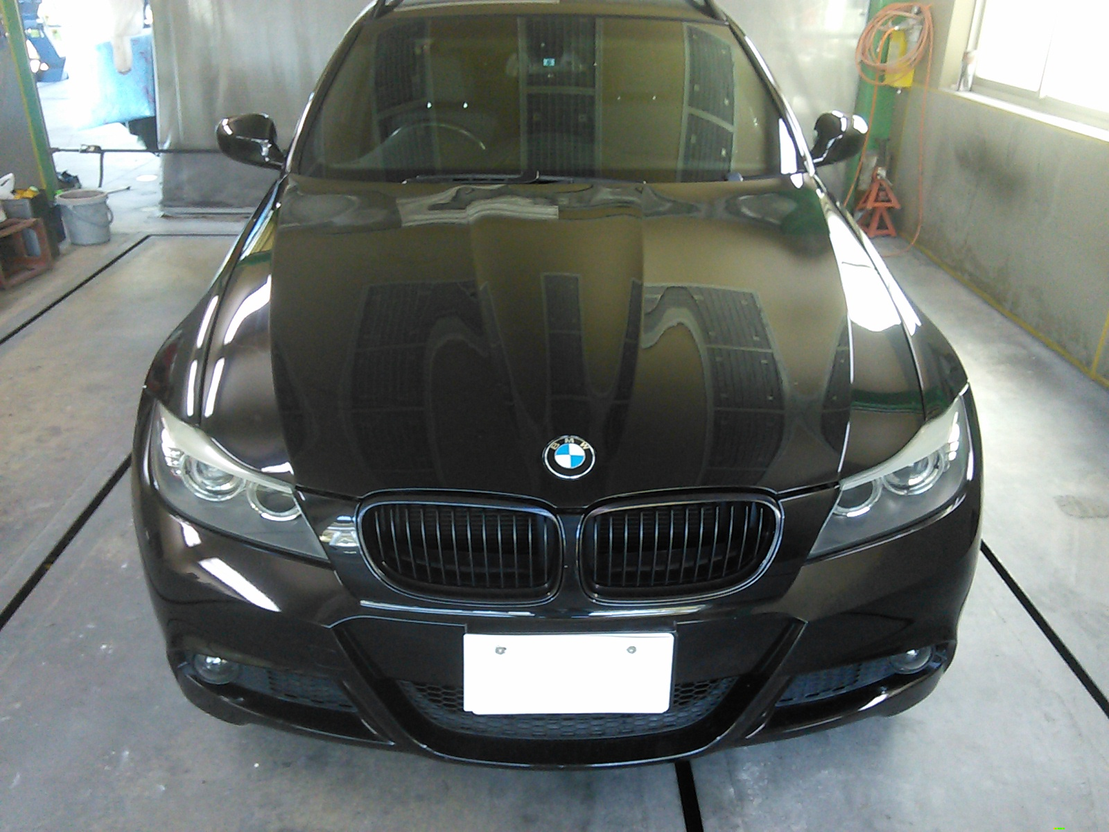 BMW  ボンネット 色ハゲ 飛び石 キズ修理  豊田市 板金塗装