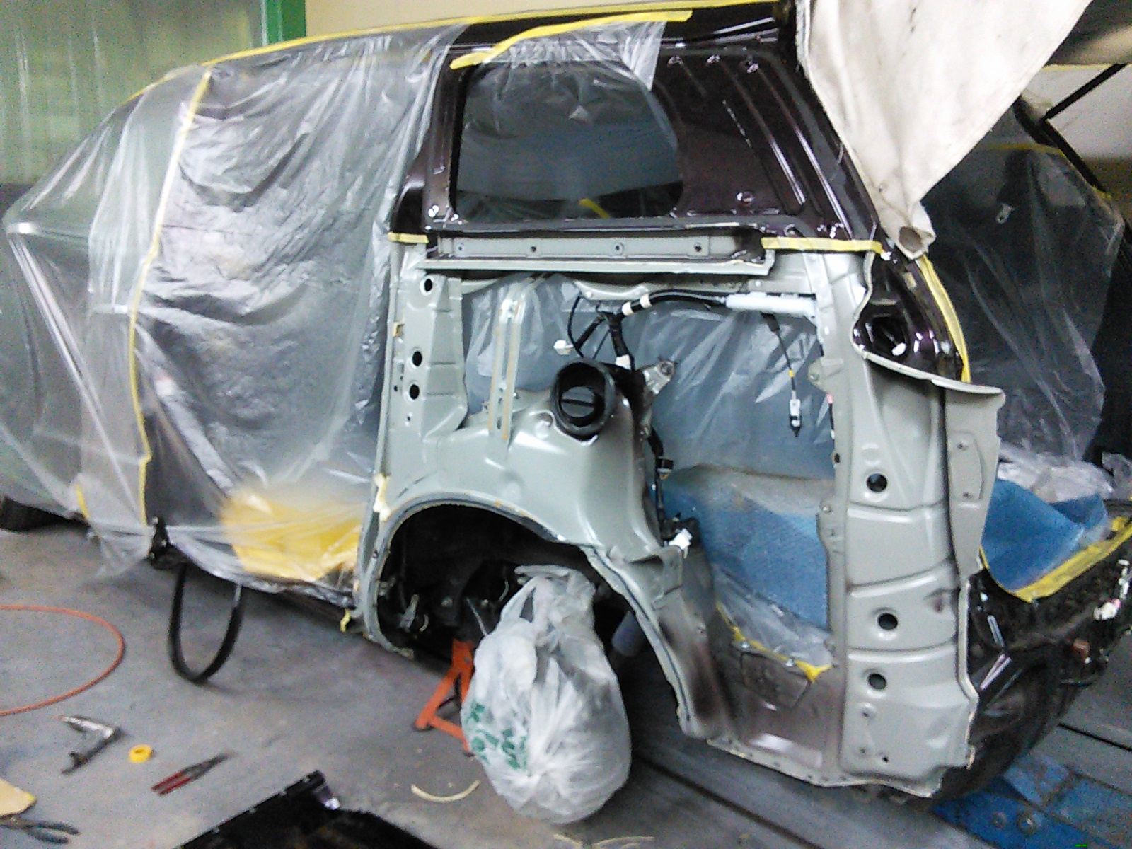 クオーター交換  さて問題 この車は何でしょう(^-^)  豊田市  板金塗装