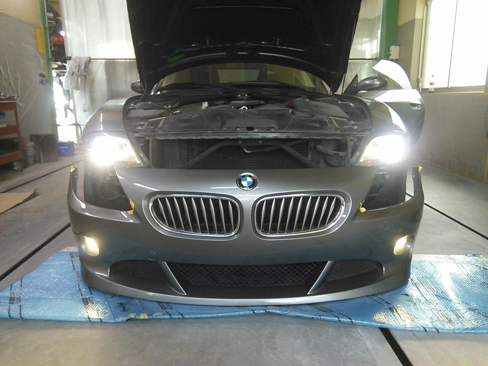 BMW Z4 フロントバンパー修理 予定外の割れ修理 豊田市 板金塗装