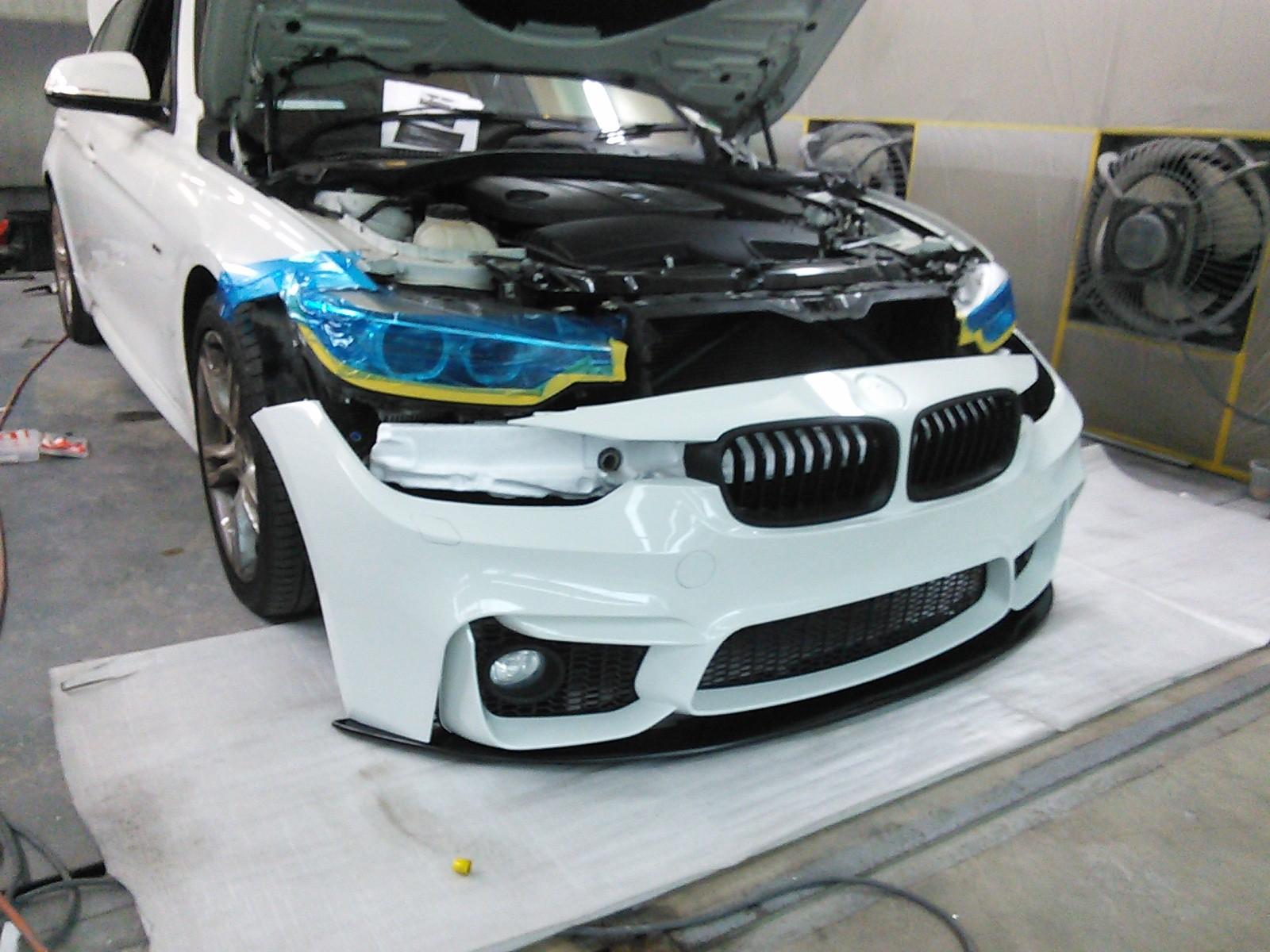 BMW F30 Mスポーツフロント バンパーに交換   豊田市  板金塗装