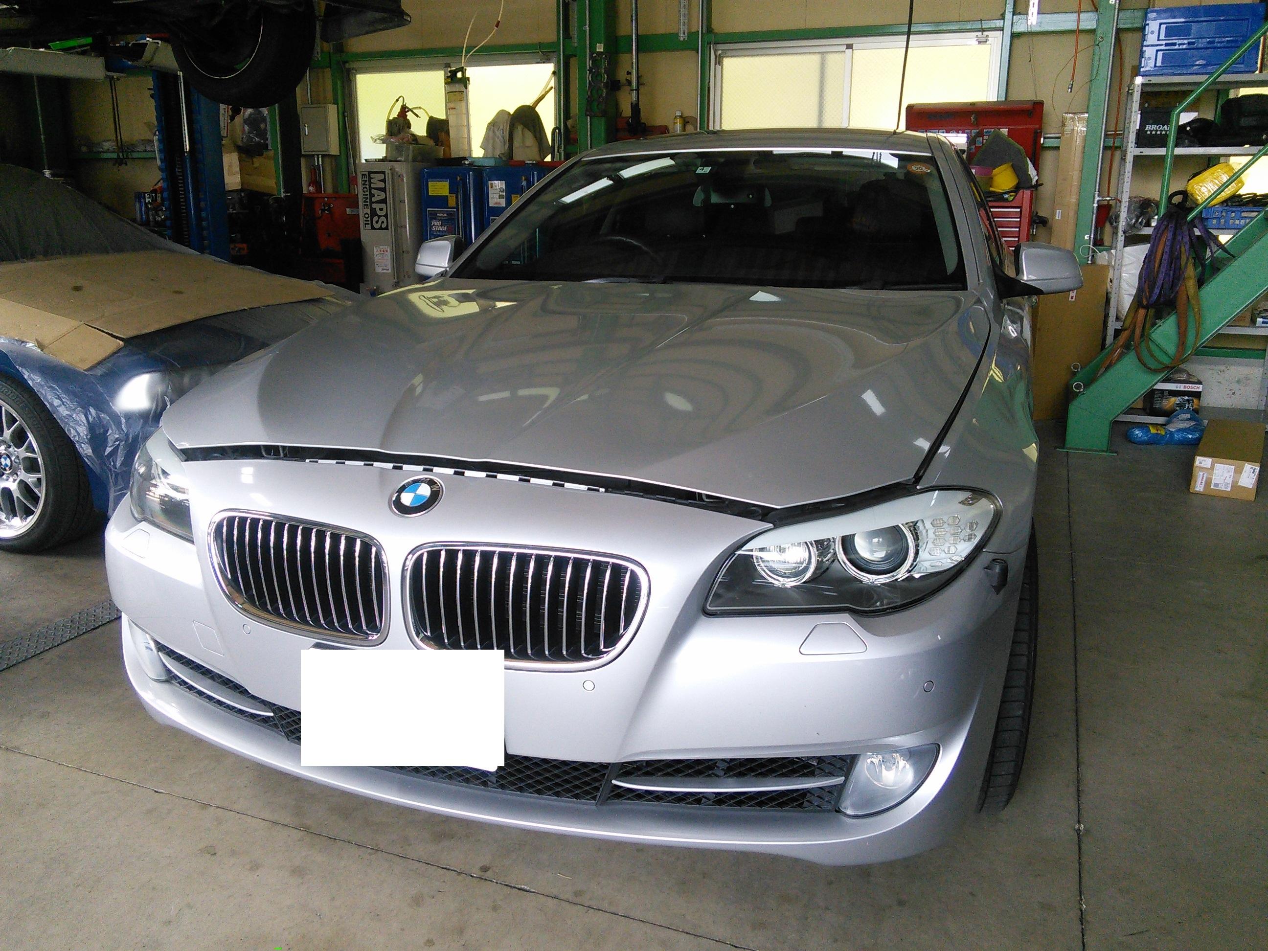 BMW F10 エアコンガス漏れ  エアコン修理が非常に増えてきました