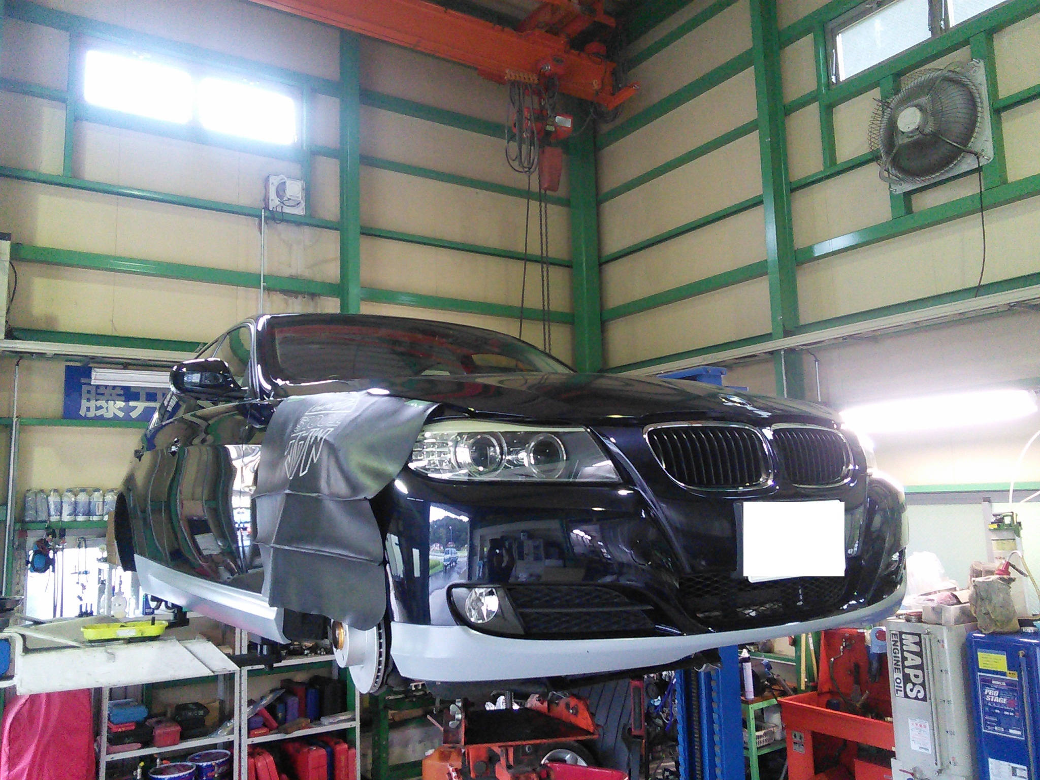 BMW 320 車検整備 オイル漏れ修理など
