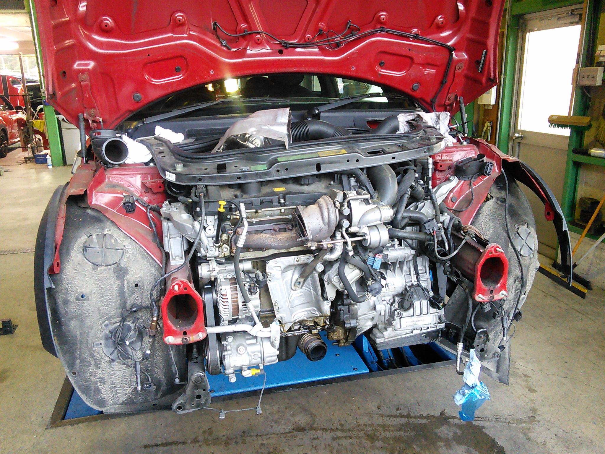 BMWミニ&320 オイル漏れ修理 冬になるとオイル漏れ修理が非常に増えてきます