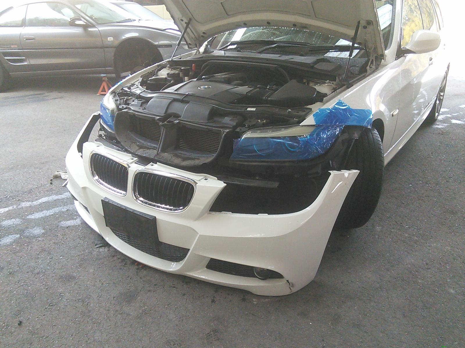 BMWフロントバンパー修理 合間に4AGブロック塗装 豊田市  板金塗装