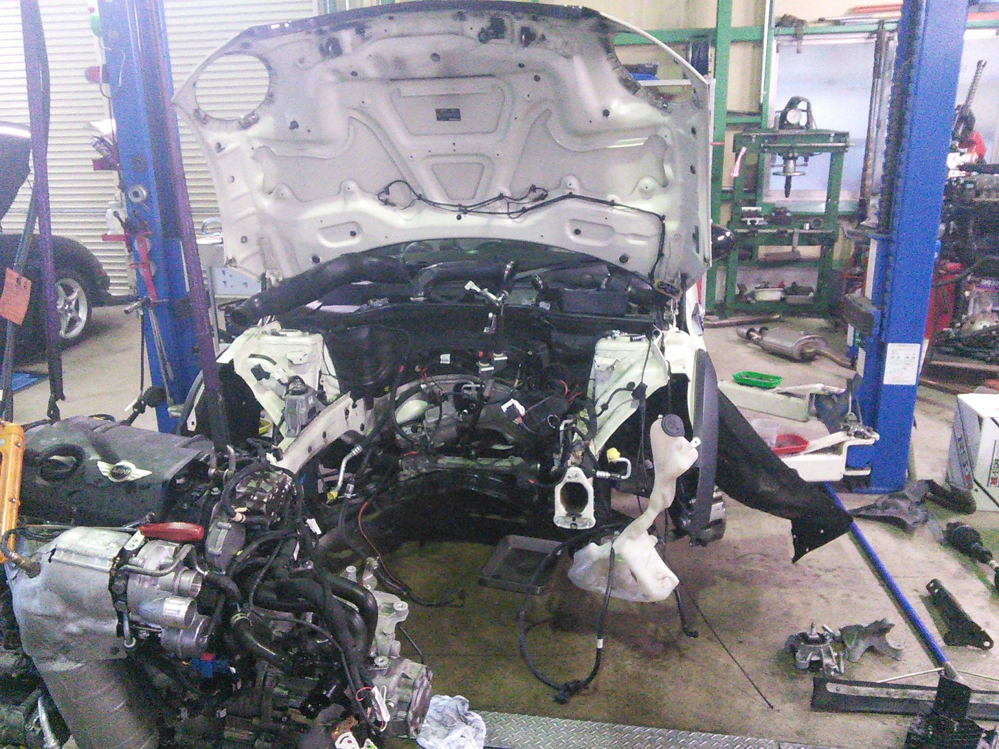 色々めんどくさい修理が多いです 車検 点検 修理 たくさんの入庫ありがとうございます
