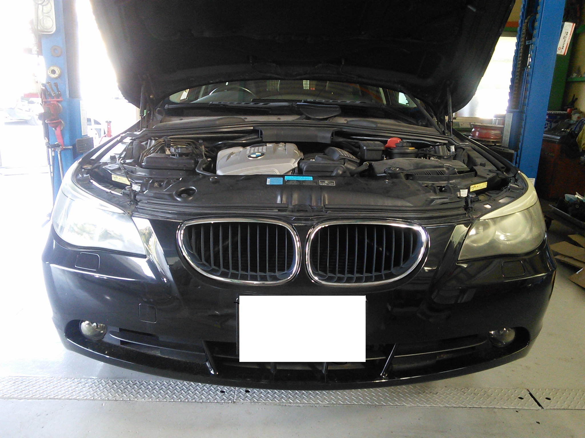 BMW  E61 水漏れ修理 ラジエータ交換