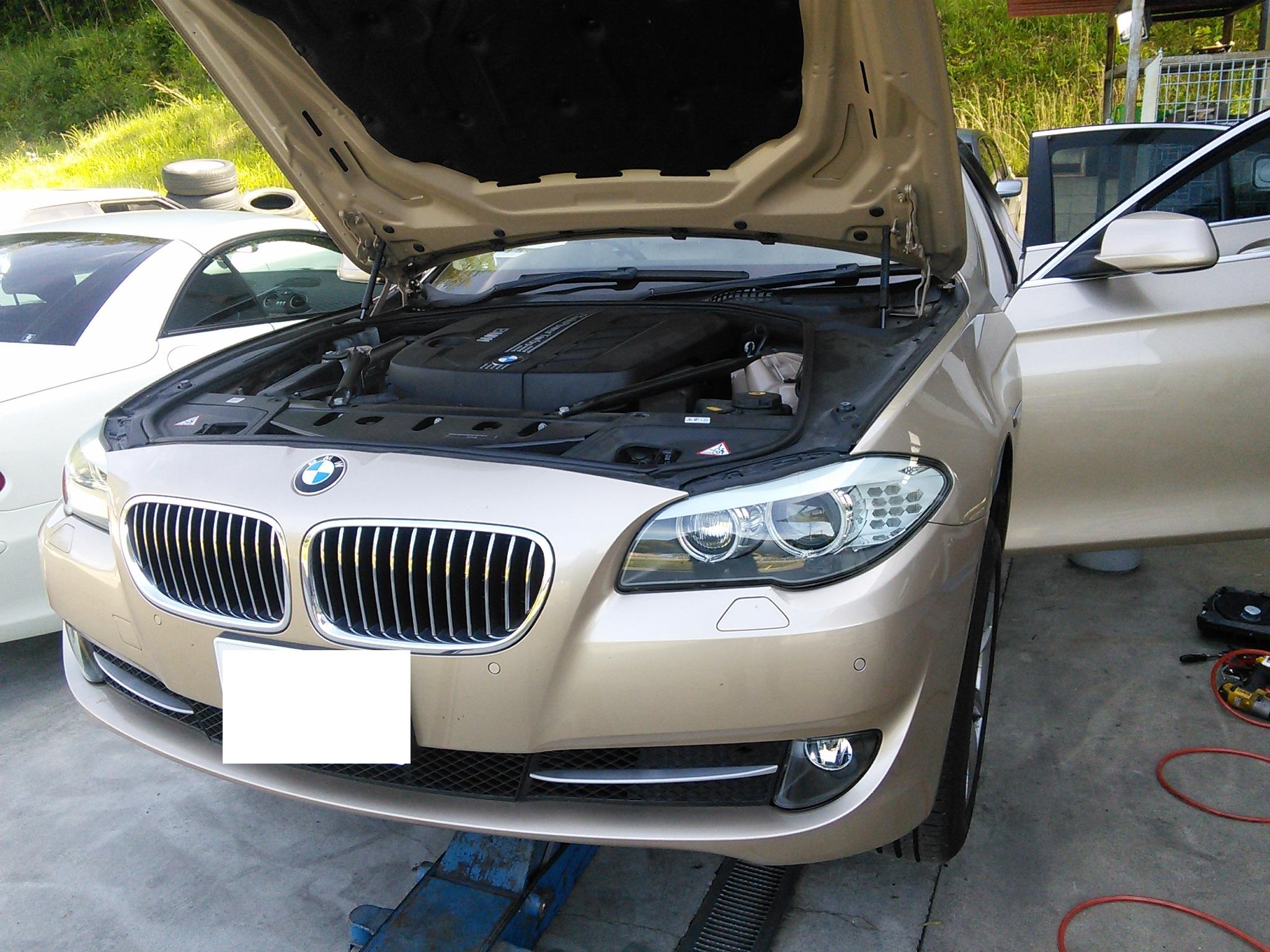 BMW F10 アクティブステアリング異常 雨漏れ事例