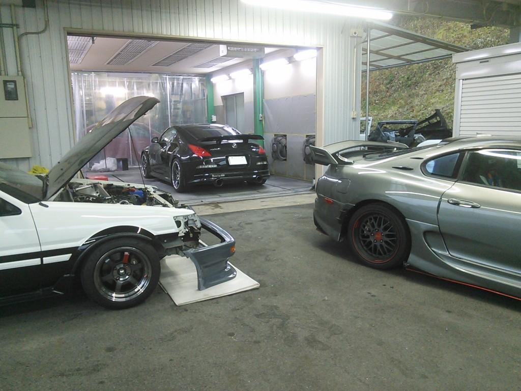 Z33 FRPエアロ修理 AE86、JZA80のブログもやらないと 豊田市 板金塗装