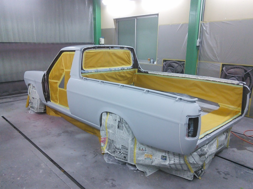 サニトラ 全塗装 その8 まだまだ塗装編です。  豊田市  板金塗装