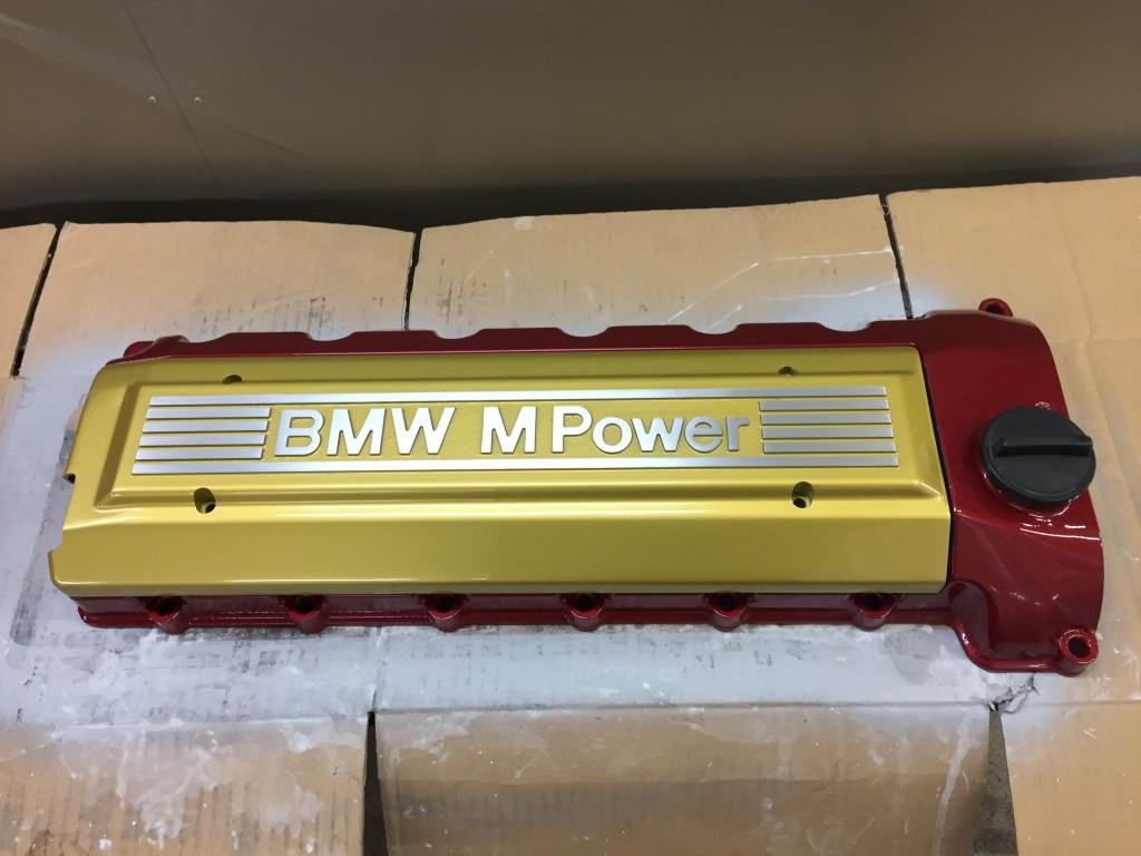 BMW M3 タペットカバー塗装   豊田市  板金塗装