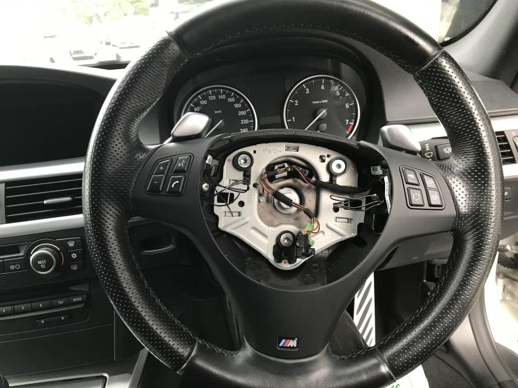 BMW E90 325i パドルシフト効かない