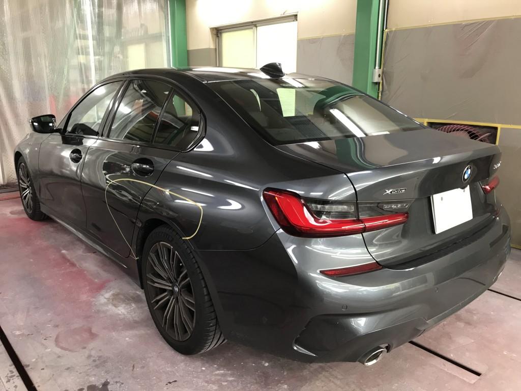 BMW320d    ドア クオーターへこみ修理 普通の板金塗装  豊田市 板金塗装